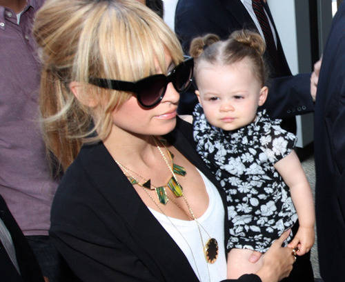 Nicole Richie and Lionel Richie arrive for a television taping in Los Angeles, CA. Pictured: Nicole Richie and daughter, Harlow Ref: SPL101616 260509 Picture by: Octavio R Vera Jr / Splash News Splash News and Pictures Los Angeles:310-821-2666 New York: 212-619-2666 London: 870-934-2666 photodesk@splashnews.com