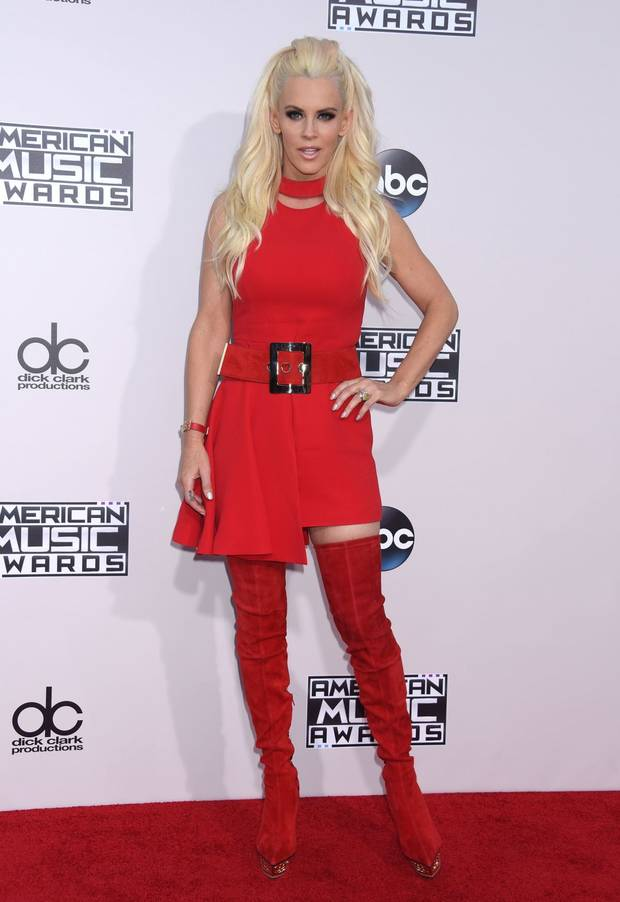 jenny-mccarthy-at-2015-american-music-awards-in-los-angeles-11-22-2015_1