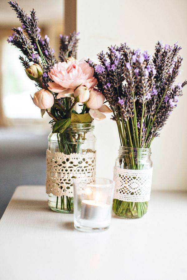 perfecto anfitrión vanidad flores decorativas