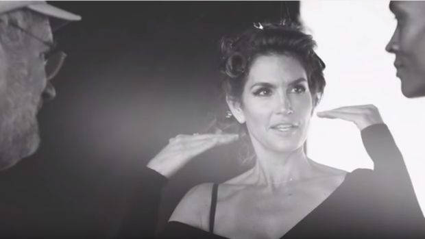 Cindy-Crawford-in-Peter-Lindbergh-Reunion-YouTube-620x349