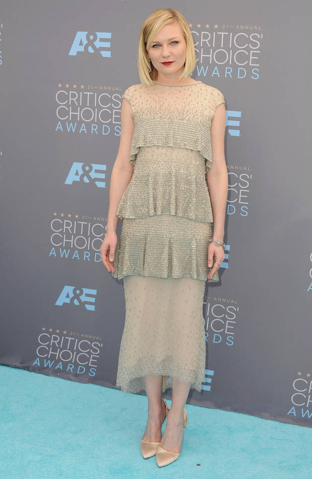 critics_choice_awards_2016_mejor_vestidas_vanidad_kirsten-dunst