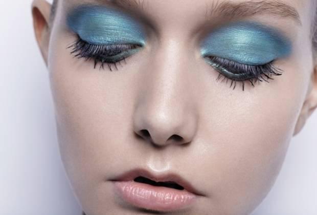 azul serenidad pantone 70s