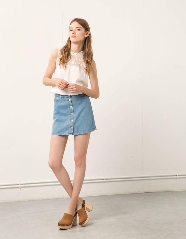 10-prendas-de-amancio-ortega-que-tu-armario-necesita-falda-denim-bershka