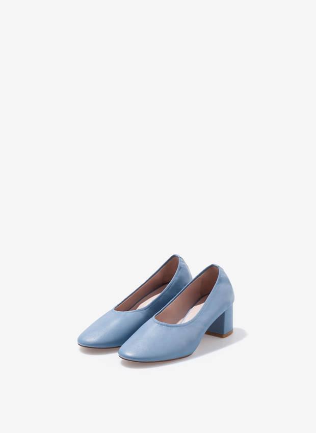 10-prendas-de-amancio-ortega-que-tu-armario-necesita-granny-shoes-uterque