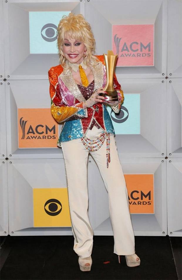 los looks mas impactantes de la semana Dolly Parton