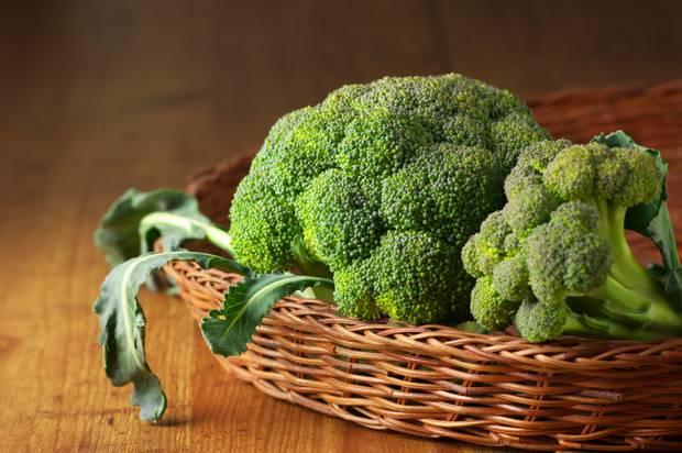 10 super comidas que mejoran tu vida BROCOLI