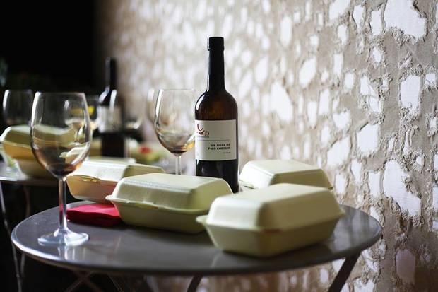 vino de jerez nuevo aperitivo de moda mesa