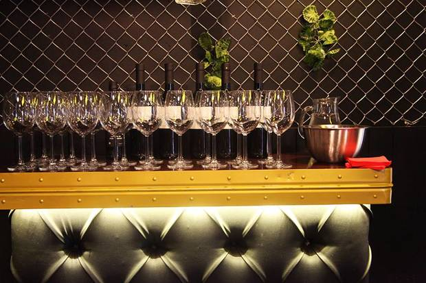 vino de jerez nuevo aperitivo de moda