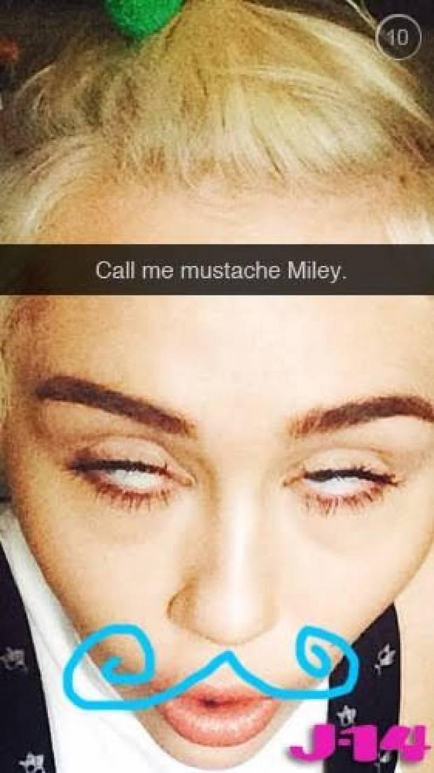 Snapchat y Periscope. Las nuevas redes sociales que los famosos adoran Miley Cyrus 2