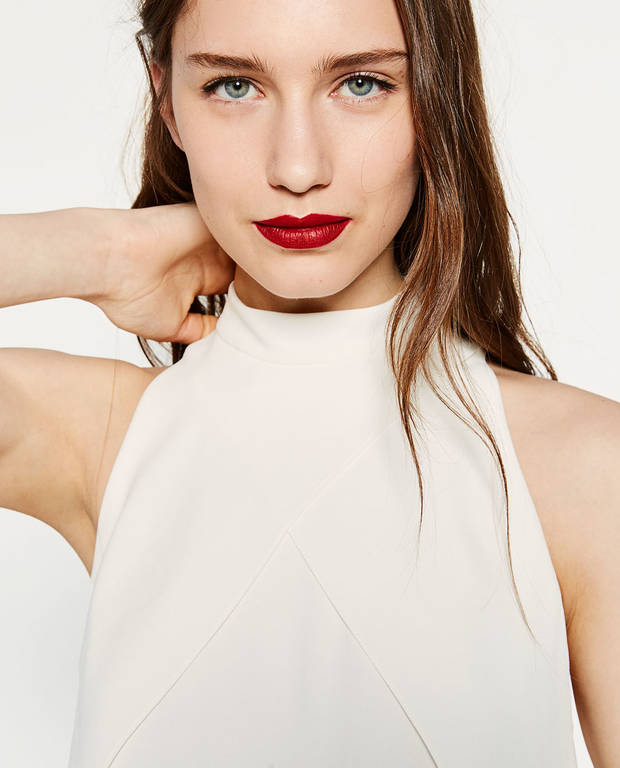6 tendencias de moda para ser una it girl esta temporada cuello-halter-zara