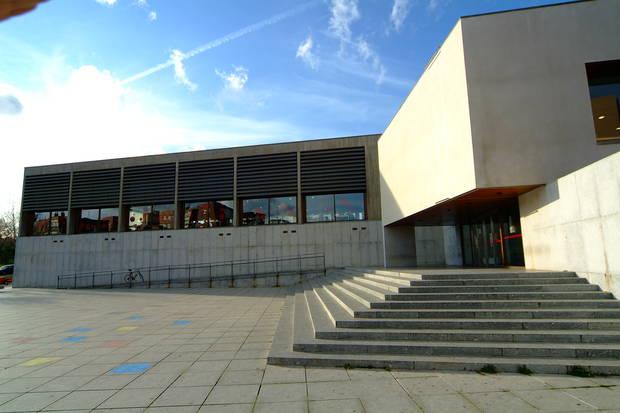 noche_en_el_museo_las_mejores_exposiciones_de_espana_para_visitar_a_la_luz_de_la_luna_biblioteca_torrente_ballester