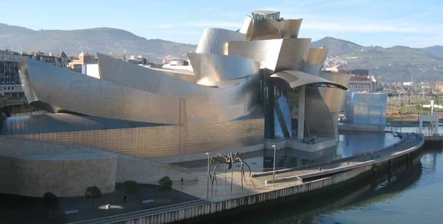 noche_en_el_museo_las_mejores_exposiciones_de_espana_para_visitar_a_la_luz_de_la_luna_museo_guggenheim