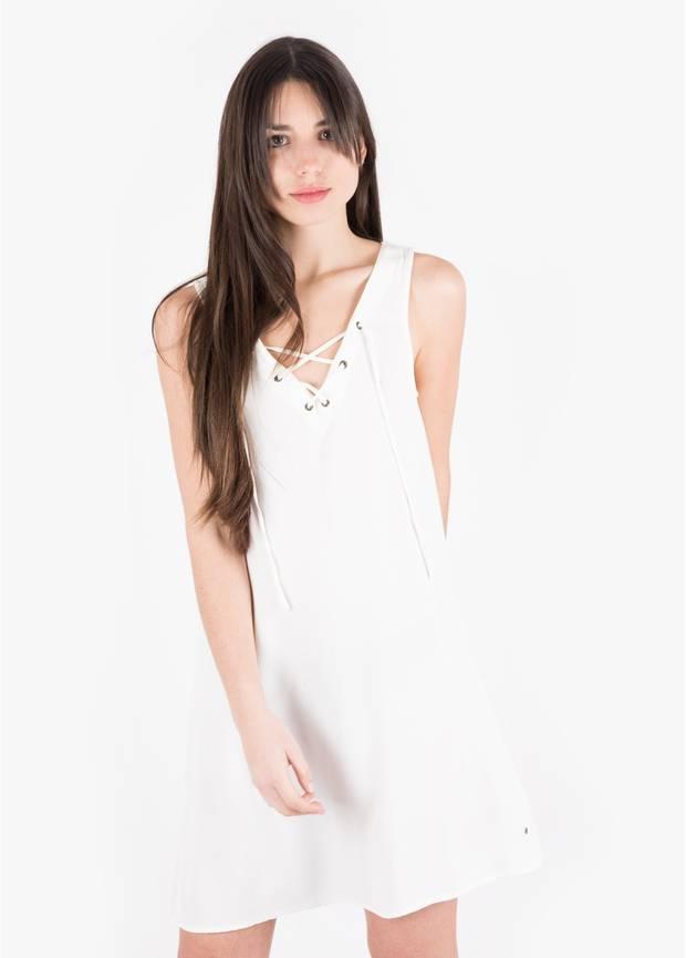 Los_vestidos_blancos_son_para_el_verano_brownie