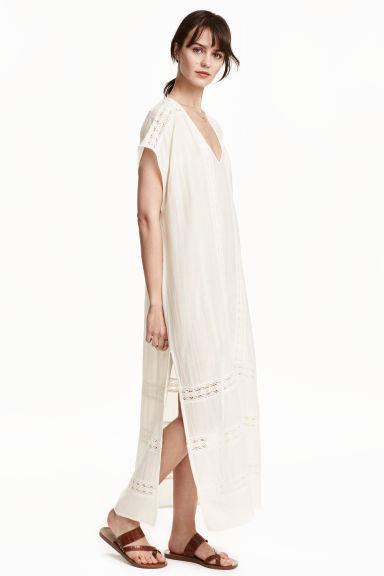 Los_vestidos_blancos_son_para_el_verano_hm