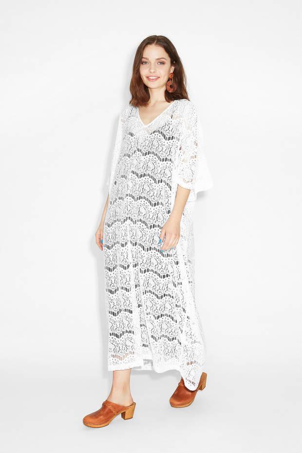 Los_vestidos_blancos_son_para_el_verano_monki