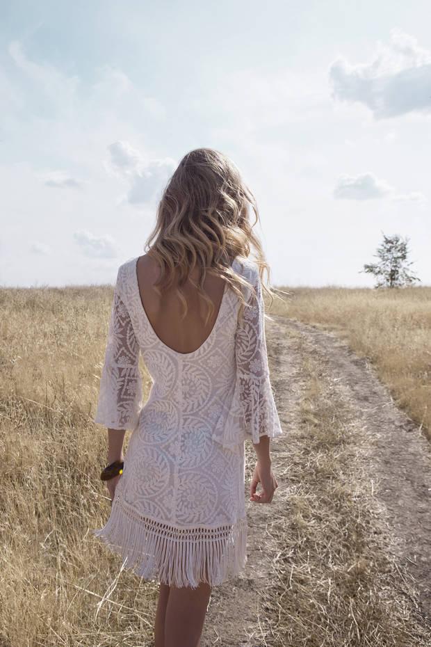 Los_vestidos_blancos_son_para_el_verano_estalot