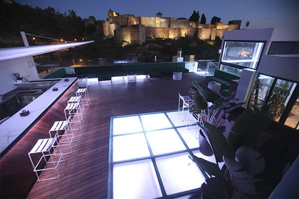 7-terrazas-que-no-pueden-faltar-en-tu-agenda-estival-Alcabaza-Premium-Hostel-Malaga