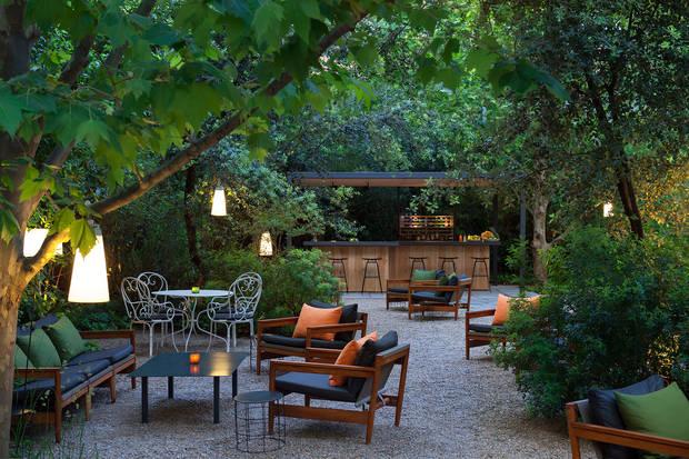 7-terrazas-que-no-pueden-faltar-en-tu-agenda-estival-hotel-alma-barcelona