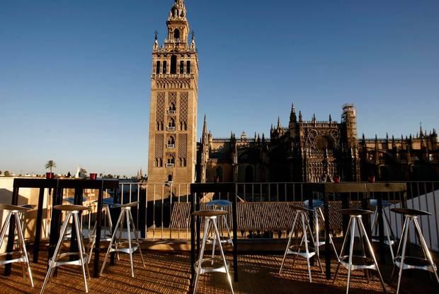 7-terrazas-que-no-pueden-faltar-en-tu-agenda-estival-hotel-eme-sevilla