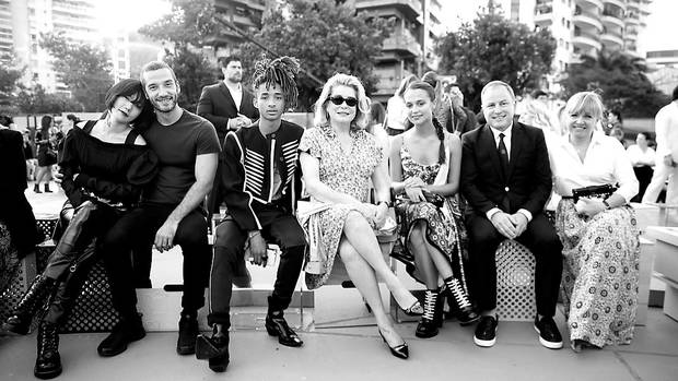 uando-desfile-superproduccion-coleccion-crucero-2017-louis-vuitton-front-row