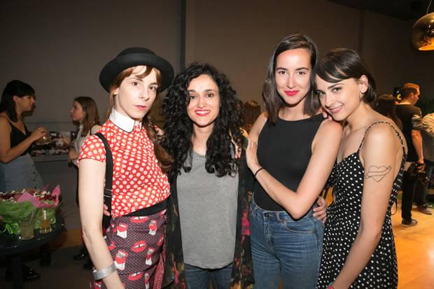 La realizadora Inés de León, Ana Himes, la actriz y dj Laura Put y una amiga