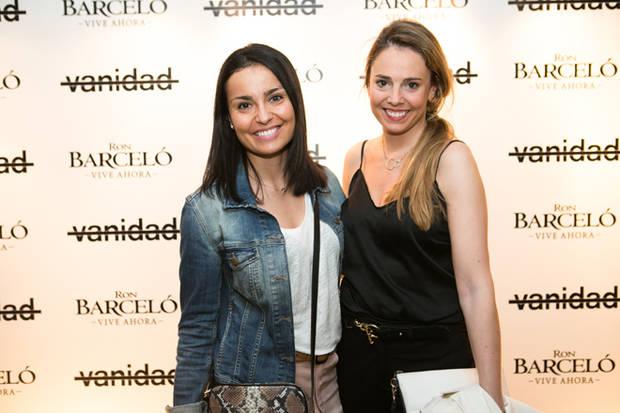 Rebeca Planas de Piaget (dcha.) con una amiga