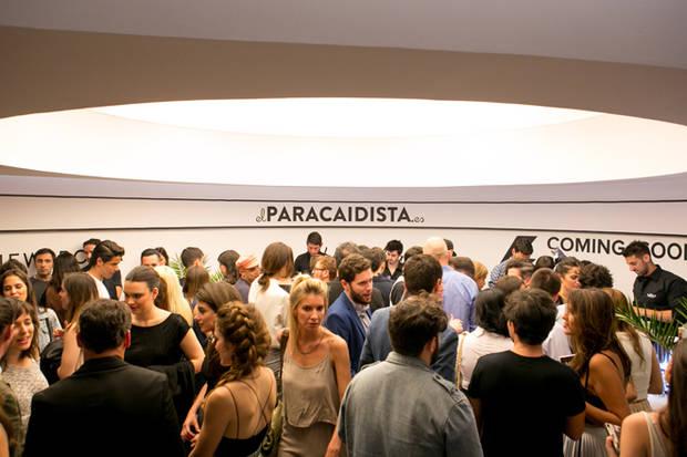 Ambiente de la fiesta en El Paracaidista