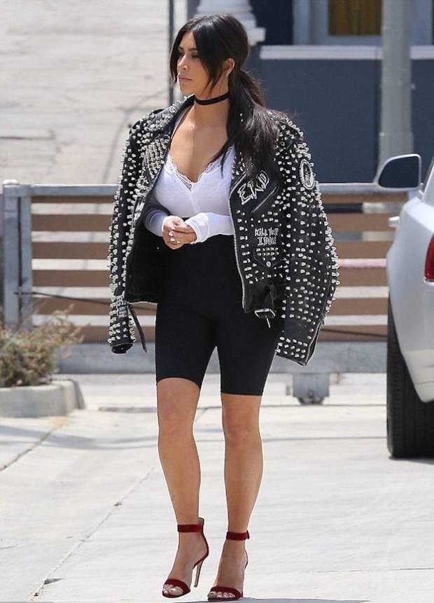 Los looks mas impactantes de la semana kim-kardashian