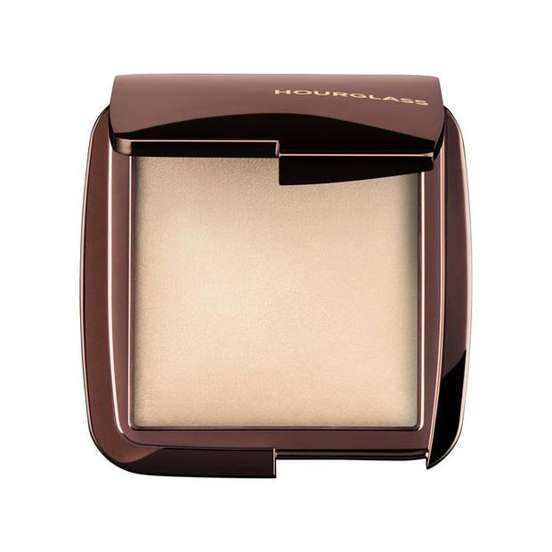 skin-fetish-el-iluminador-favorito-de-las-beauty-addicts hourglass luminous light - vanidad - 10