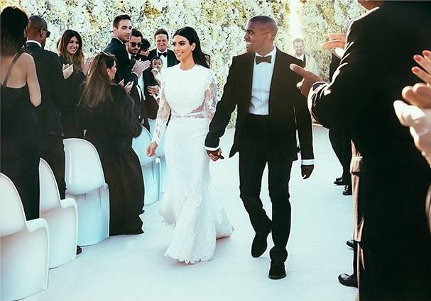 los-vestidos-blancos-de-las-celebrities-retrospeccion-Kardashian-Kanye-West