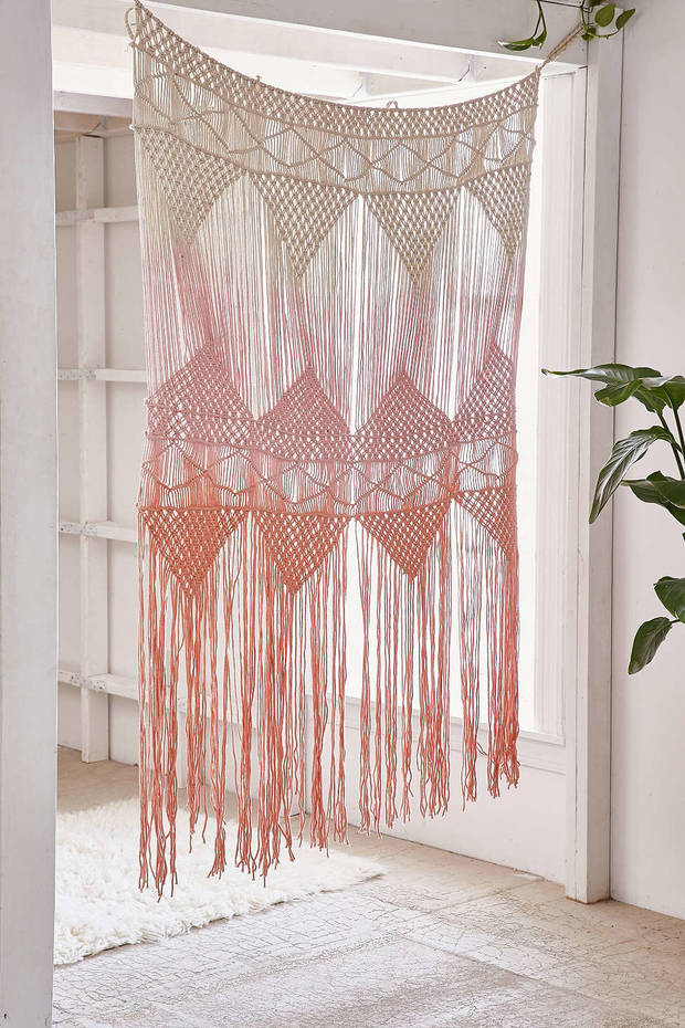 pretty_pink_urban_outfitters