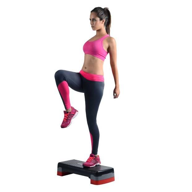 5 ejercicios quemar grasa en casa_Step