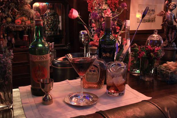 7-coctelerias-imprescindibles-refrescarnos-este-verano-alexander-garden-cocktail-cocteleria