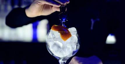 7-coctelerias-imprescindibles-refrescarnos-este-verano-opera-cafe-oviedo-cocktail-propuesta-coctel
