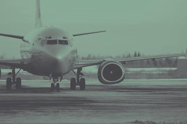 bolsillos-a-cubierto-ahorrar-en-vacaciones-es-posible-trabajo-playa-facturacion-online-equipaje-aeropuerto-avion
