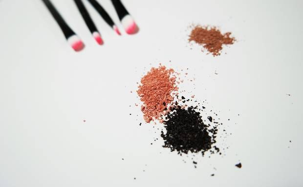 make-up-tips-maquillaje-estival-las-famosas-pinceles-maquillaje