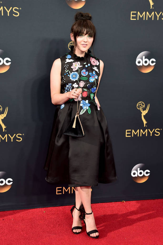 premios_emmy_2016_maisie_williams_markus_lupfer