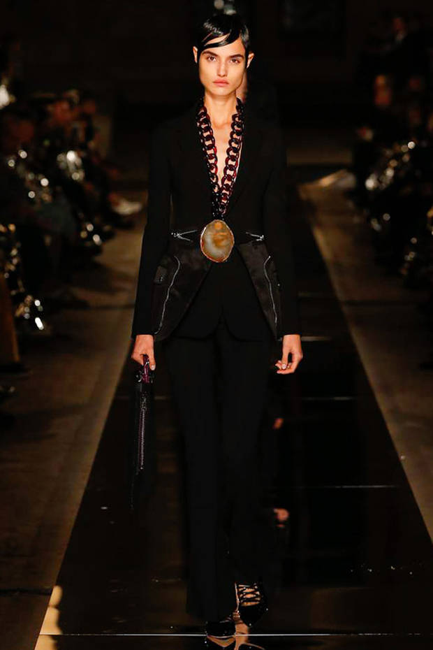 paris_fashion_week_looks_amancio_givenchy_