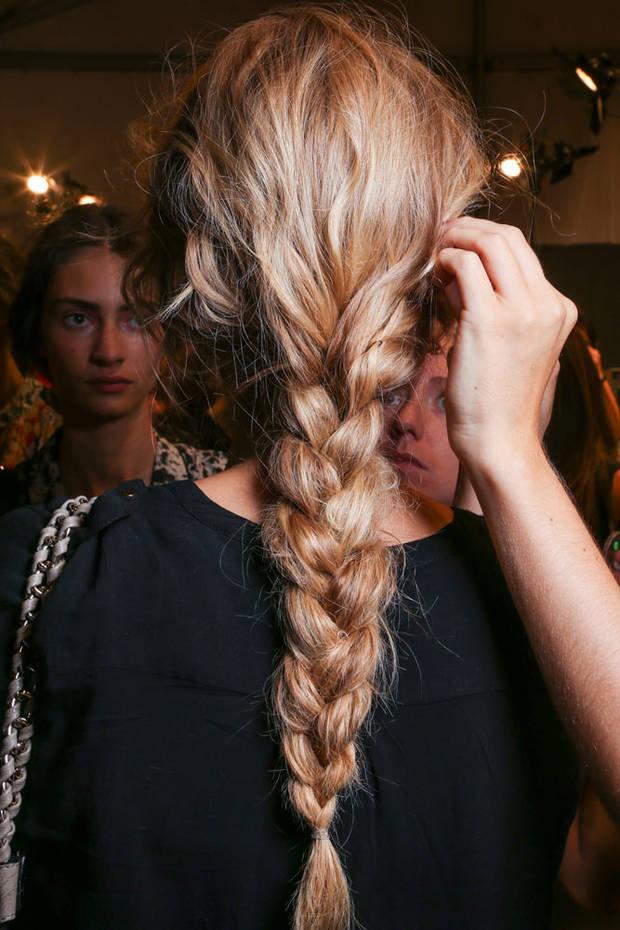 peinados-pelo-largo-trenza