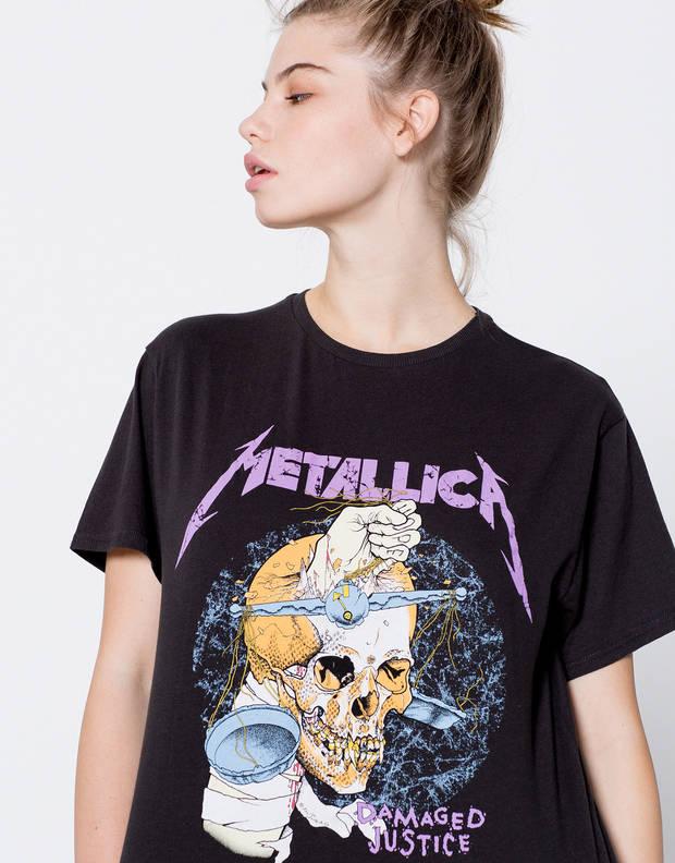 mezclar-estampados-camiseta