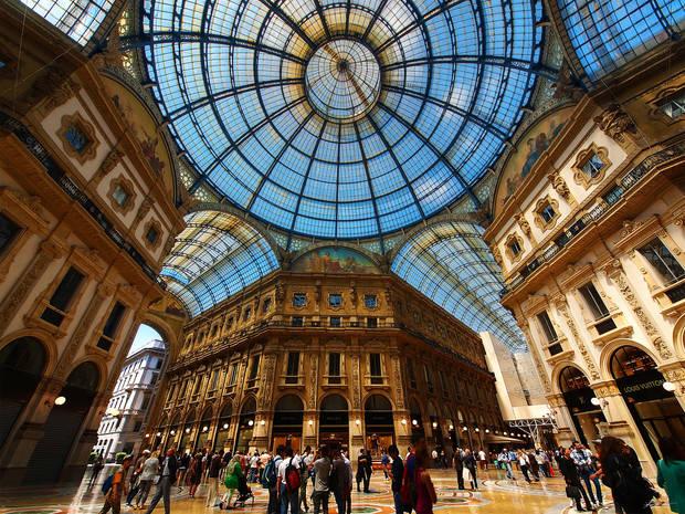 fashion weeks milan galeria