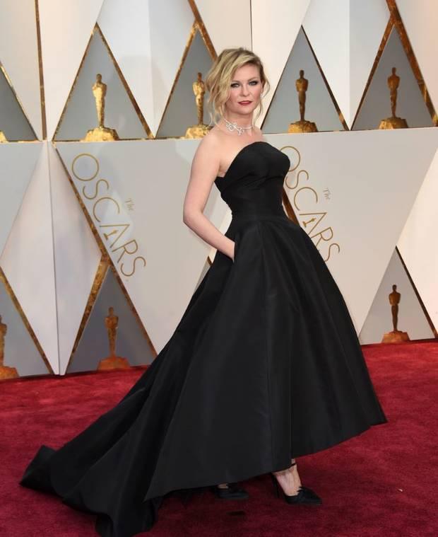 Oscars_2017_Kristen_Dunst