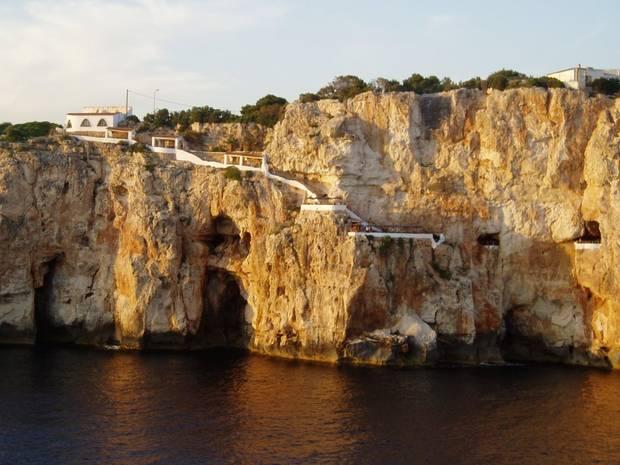 islas menorca cuevas