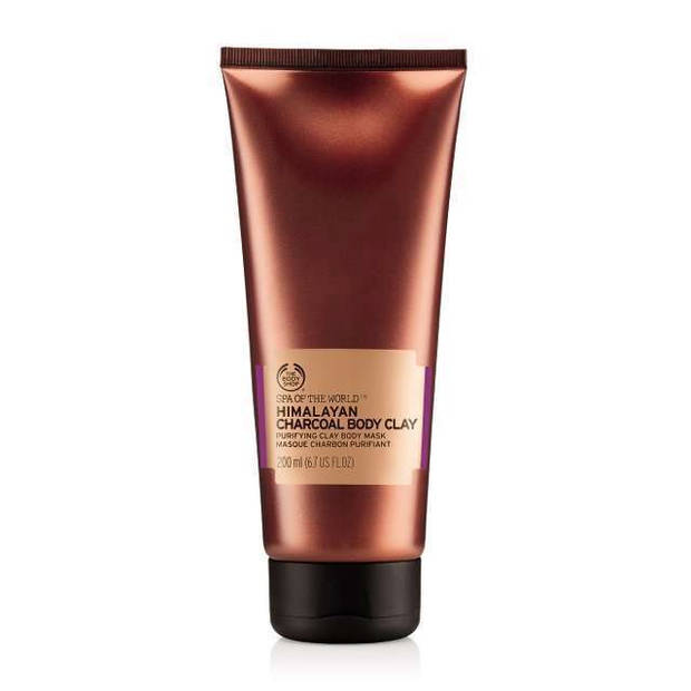miercoles-addams-productos-belleza-negros the body shop - vanidad - 5