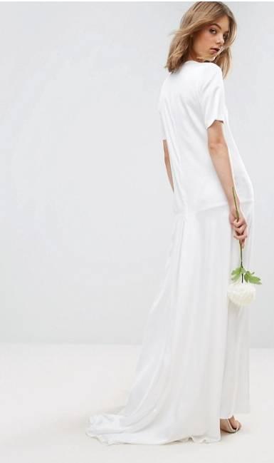 novia con camiseta