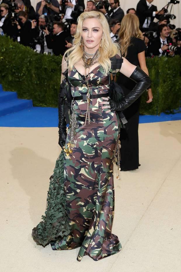 met_gala_2017_Madonna_ Jeremy Scott