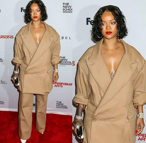 Rihanna en khaki