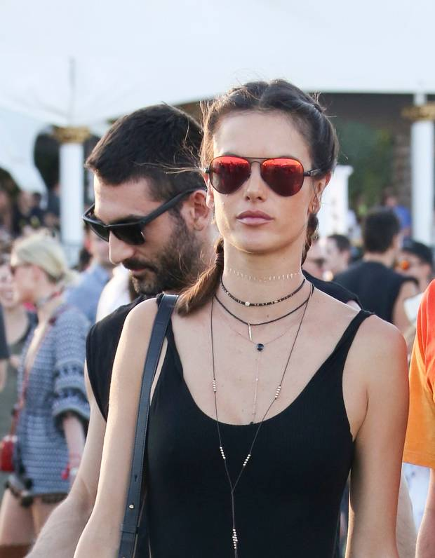 collar-no-choker-coachella