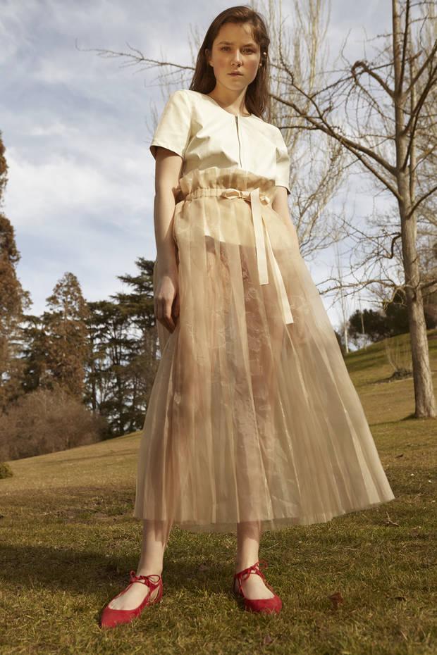 Editorial de Moda VISIT TO THE GARDEN 4a