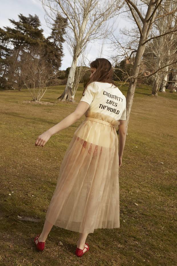 Editorial de Moda VISIT TO THE GARDEN 4b
